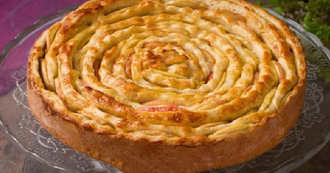"""Receptas, kurio aš ilgai ieškojau – """"nematomas"""" obuolių pyragas"""